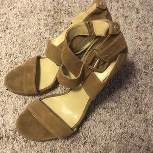 Brand new Michael Kors heels 👠